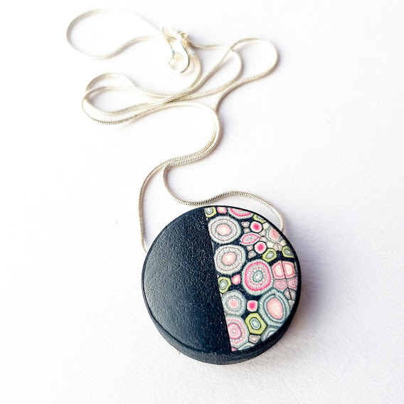 Reversible Framed Rose & Noir Disc Pendant